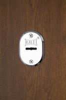 Двери Regidoors Металлическая дверь Страж золотой дуб+патина