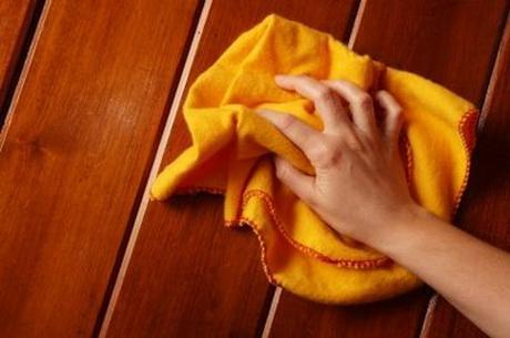 Как удалить белые пятна на деревянном столе